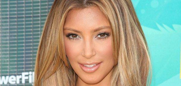 Kim kardashian cheveux#