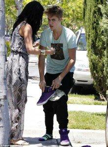 6 mois de prison pour Justin Bieber pour avoir voulu défendre sa petite copine Selena Gomez