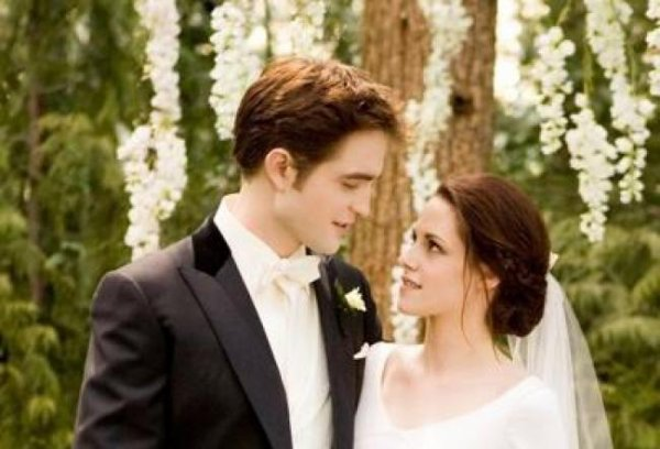 Kristen Stewart : Robert Pattinson, bientôt prêts pour les fiançailles