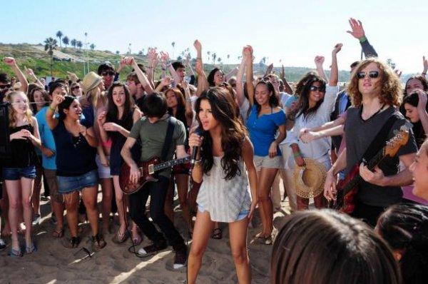 Selena Gomez : 15 choses à connaître absolument sur elle (partie 2)