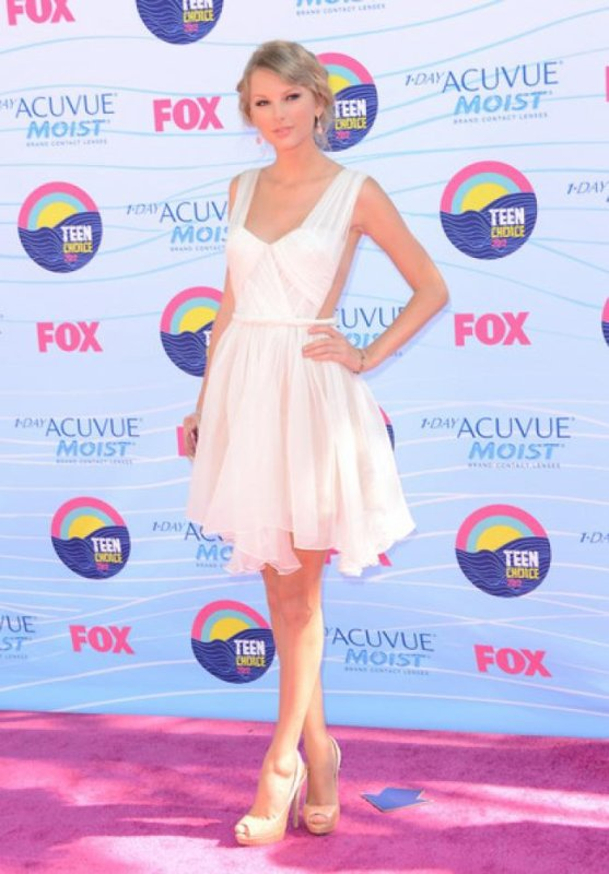 Look de Taylor Swift : Radieuse pour les Teen Choice Awards 2012