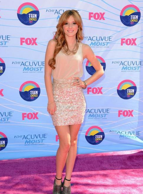 Look de Bella Thorne : Aux Teen Choice Awards 2012