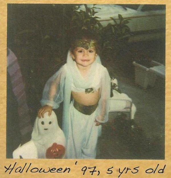 Selena Gomez : Les photos de son enfance  partie(1)