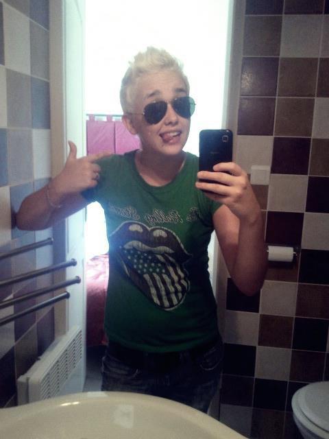 Blonde Attitude ;)