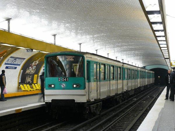 Articles de momo ratp tagg s mf67 n 12041 sur la ligne 9 les buses et m tros de paris - Subway porte de montreuil ...