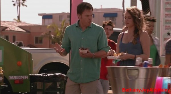Dexter > Screencaps > 8.06: A Little Reflection Parti 3