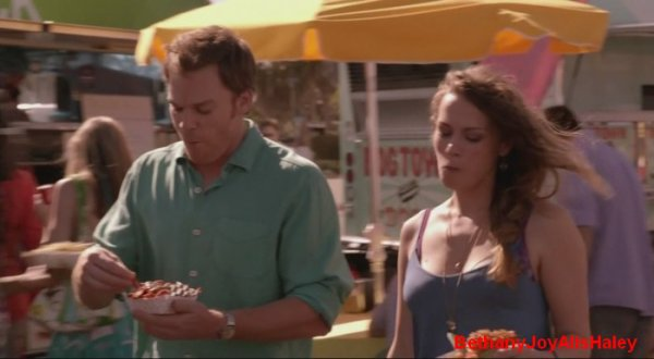 Dexter > Screencaps > 8.06: A Little Reflection Parti 6