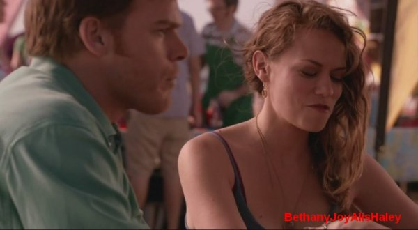 Dexter > Screencaps > 8.06: A Little Reflection Parti 9
