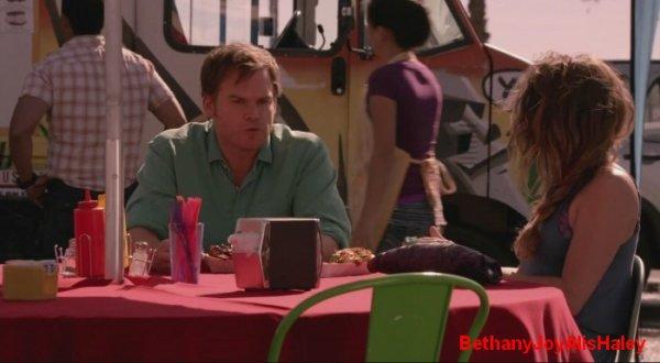 Dexter > Screencaps > 8.06: A Little Reflection Parti 10