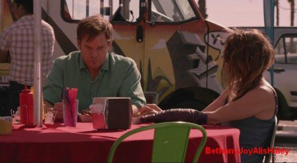 Dexter > Screencaps > 8.06: A Little Reflection Parti 12