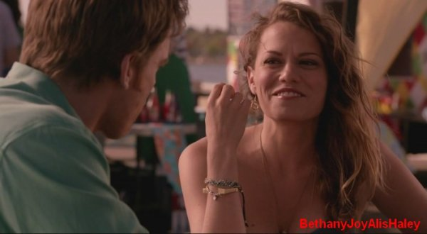 Dexter > Screencaps > 8.06: A Little Reflection Parti 13