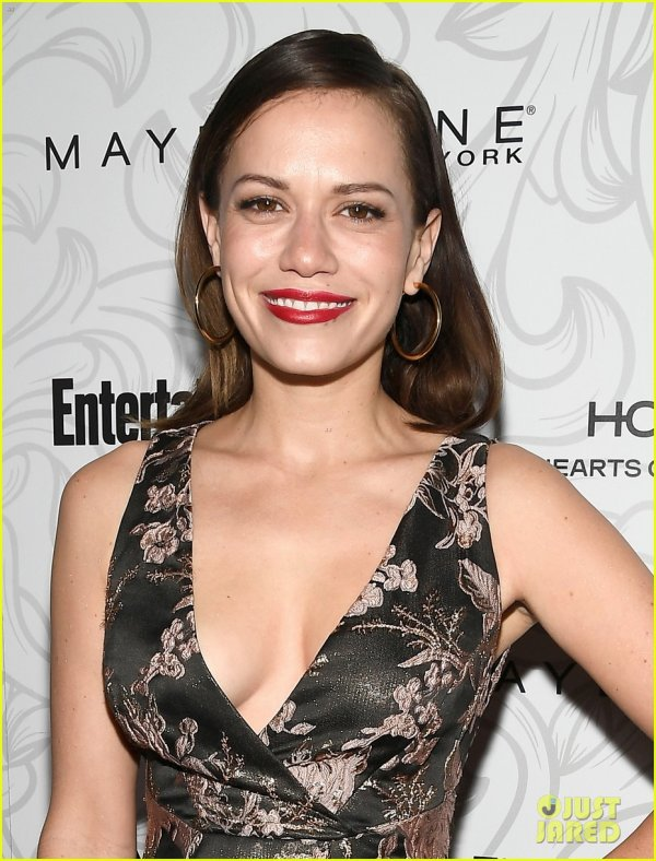 Bethany Joy Lenz Have a 'One Tree Hill' Reunion at EW SAG Party!
