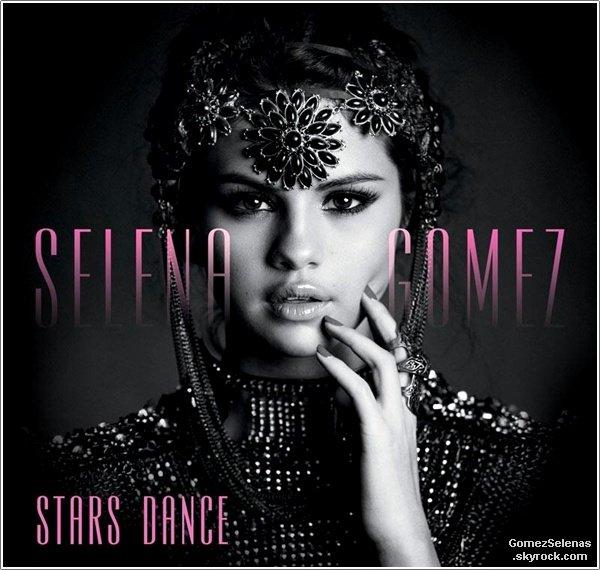 *   → Découvrez la pochette du nouvel album de Selena Gomez : Stars Dance++Tu aimes?*