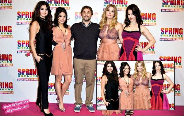 *   21/02/13 - Selena, Ashley B, Vanessa et Rachel ont participées à l'avant première de Spring Breakers à Rome en Italie. Top? Les avants premières en Europe sont maintenant terminées. *