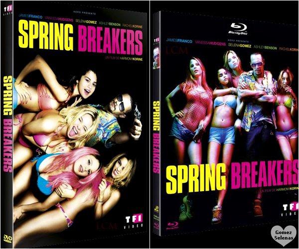 *   08.07.13 - Selena et son beau père, Brian sortant de l'aéroport de Berlin, ... Allemagne.Depuis le 10 juillet, le film, Spring Breakers est disponible en DVD et en Blue Ray. ........ Allez-Vous l'acheté? *