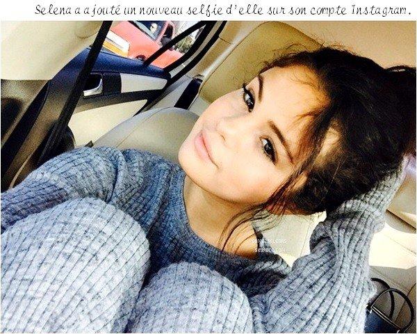 *   10.11.14 - Selena était présente au 27ème anniversaire de son amie, Samantha Droke à L.A.  *
