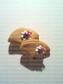 boucle d'oreille crêpe avec chantilly chocolat et fraises