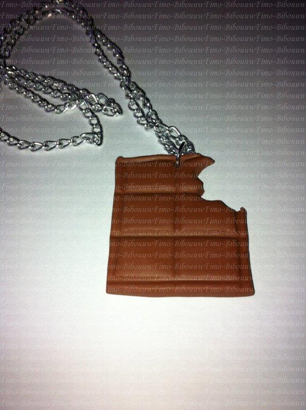 pendentif tablette de chocolat croqué