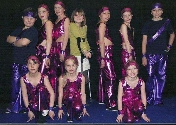 Une partie de mon petit groupe de danseuses et danseurs