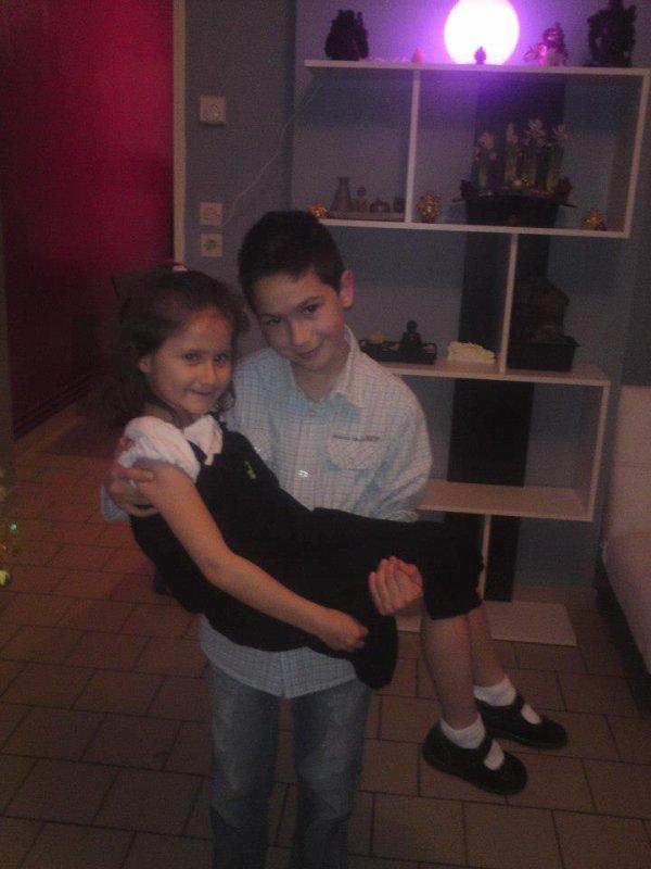 mon cousin et ma filleule que j'aime
