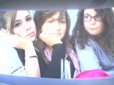 Manon, Justine & Moi.