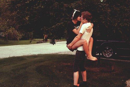 Ton plus grand rêve ? -T'embrasser. -Ce n'est pas drôle.-Non, mais ça t'a fait rougir.