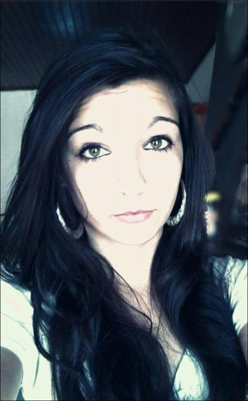 Je suis loin d'être la fille parfaite mais l'important ses que je suis moi .<3