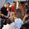 .. Jeudi 26 août : Miley signant des autographes et répétant des scènes sur le tournage à l'American Coney Island. Le tournage est à Détroit, et ne vous emballez pas, pas de scandales l'acteur qu'elle tient dans les bras c'est pour une scène dans le film.  ..