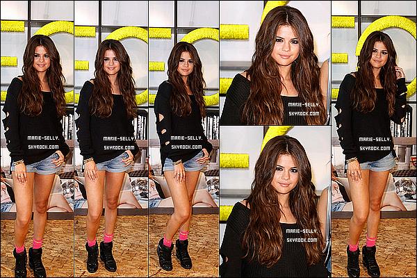 09/07/13 : Selena Gomez faisant la promotion de la nouvelle collection d'automne néo Adidas à Berlin