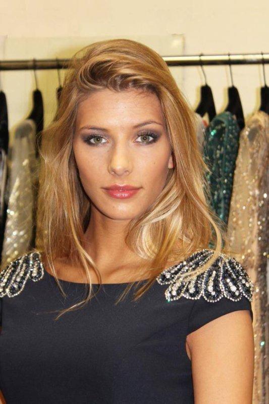 Soutenez Camille Cerf à Miss Univers