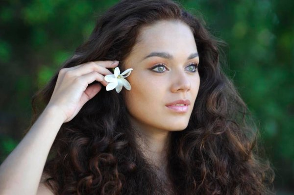 Interview de Vaea Ferrand candidate pour Miss Tahiti 2016