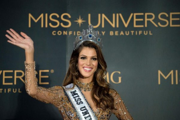 Iris est Miss Univers !!!
