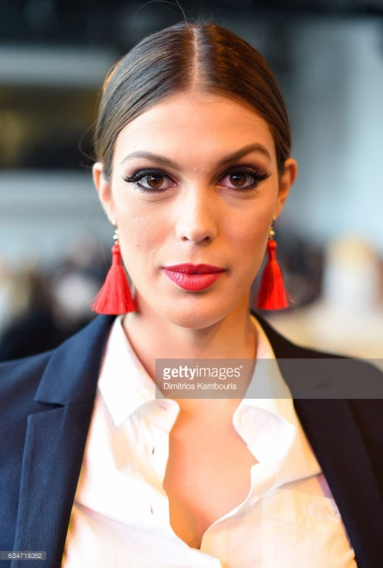 Iris Mittenaere - Fashion Week