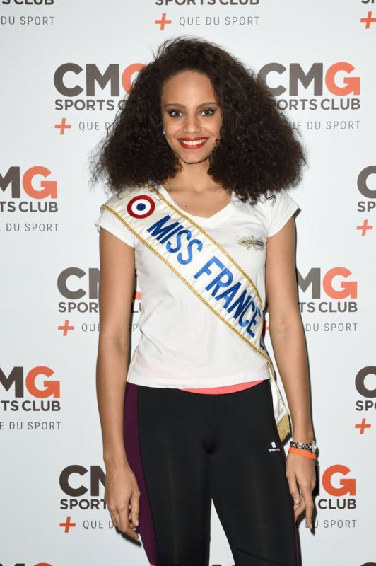 Alicia Aylies & Flora Coquerel & Sylvie Tellier - CMG One Maillot
