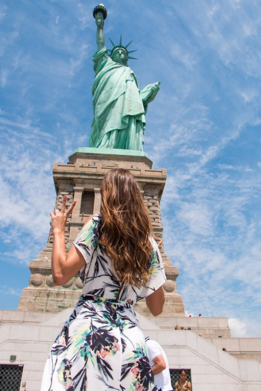 Iris Mittenaere - Statue de la liberté