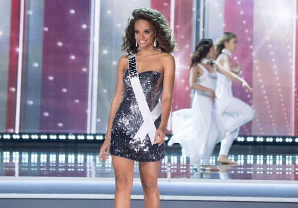 Alicia Aylies - Election Miss Univers