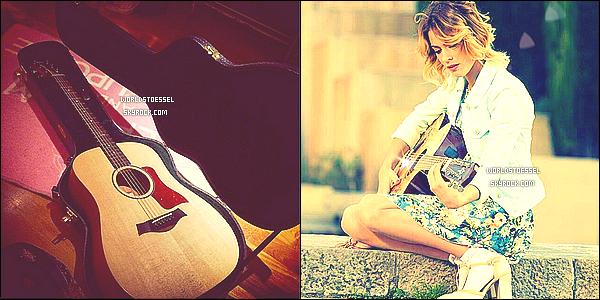 .                                                                                                                                                                                       _'BACKSTAGE '_ - Découvrez de nouvelle photos de Tini avec ses co-stars sur le tournage de Violetta3                                                                                                                                                                                        .
