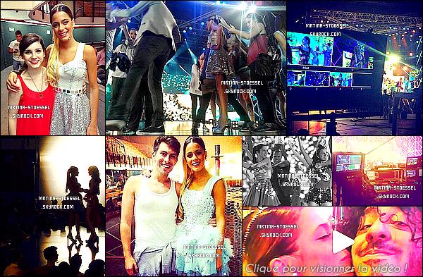 .                                                                                                                                                                                                                         20/11/14 : Le casting de Violetta tournait dans un stade le dernier épisode de la série, en - Argentine.                                                                                                                                                                                         Martina S. & ses collègues ont partagé ce dernier moment de tournage, avant d'attaquer à la tournée. Pour sa tenue (costume), c'est un Top !                                                                                                                                                                                           .