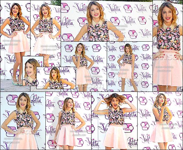 .                                                                                                                                                                                         26/06/13  : Tini & une partie du cast de Violetta se sont rendus à une conférence de presse à Milan - en Italie.                                                                                                                                                                                        Ceci est un article flashback qui permet de compléter le blog avec des apparences, ou événements. Il sera placé à sa place dès que prévu.                                                                                                                                                                                          .