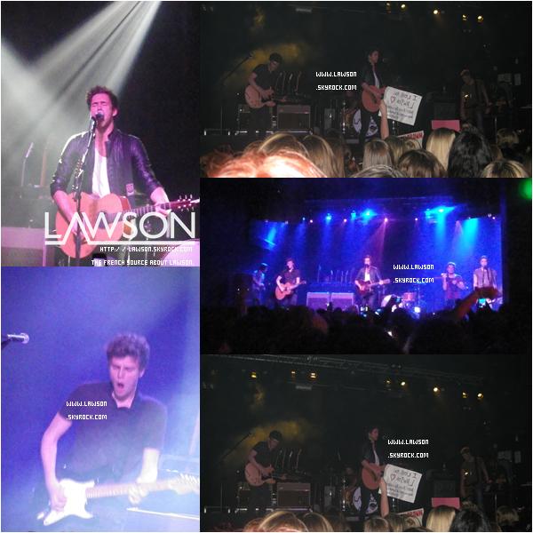 """Le 05/11/2012 - Le groupe Lawson continue leur tournée « Hometown Tour » cette fois ci à """"Nottingham"""" ! Le concert avait l'air GÉANT !"""
