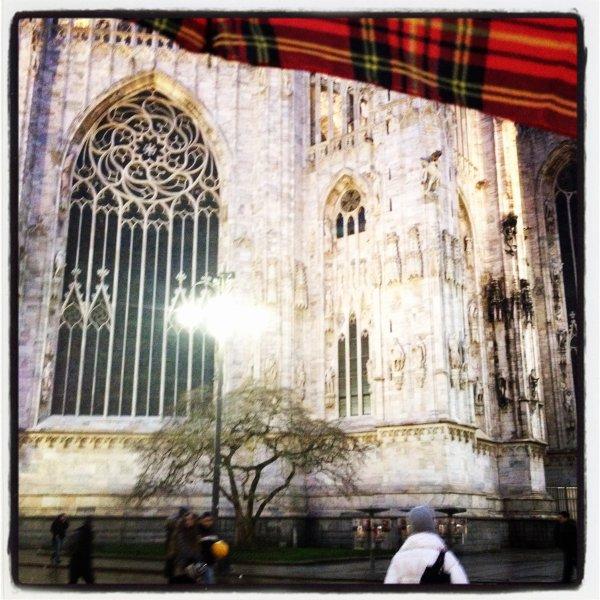 La magica atmosfera di Milano la sera