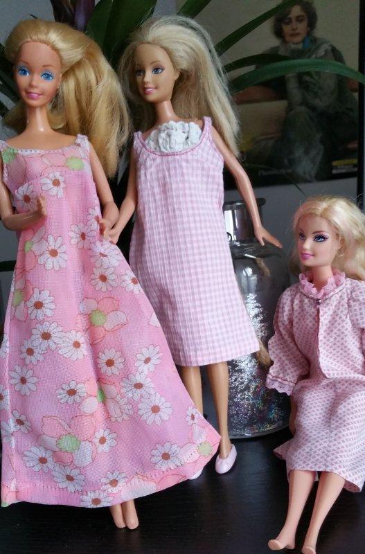 La nuit les Barbie dorment en rose
