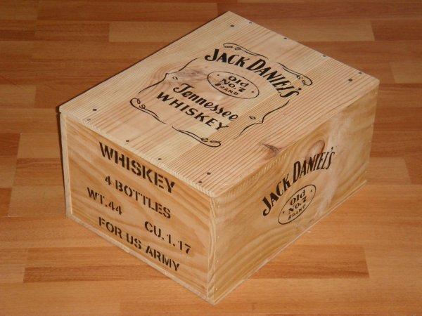 Caisses coca cola et jack daniel 39 s pour fred for Pochoir jack daniels