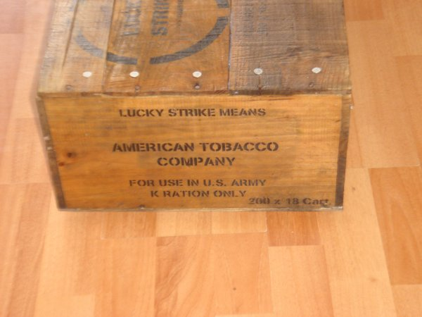Caisse type US WW2 : LUCKY STRIKE ....