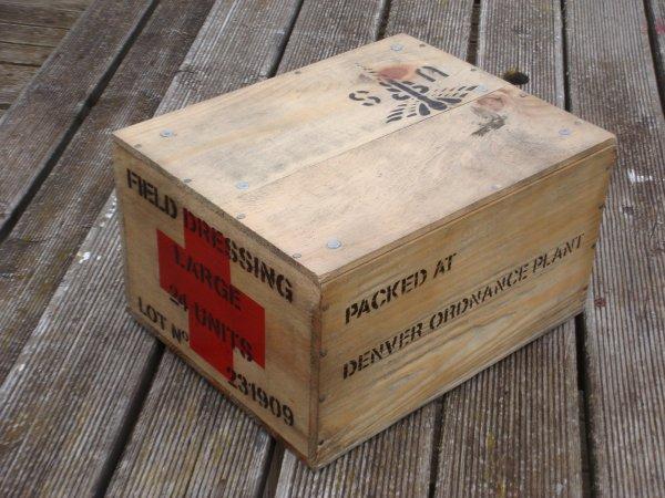 Caisse medic ( Mise en vente sur e-bay ) ....