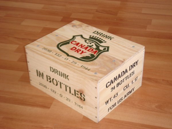 Caisse CANADA DRY ( Type US WW2 ) ....