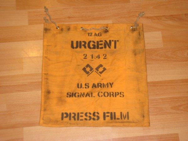 PRESS FILM - US Army SIGNAL CORPS ( Pour Kévin ) ....