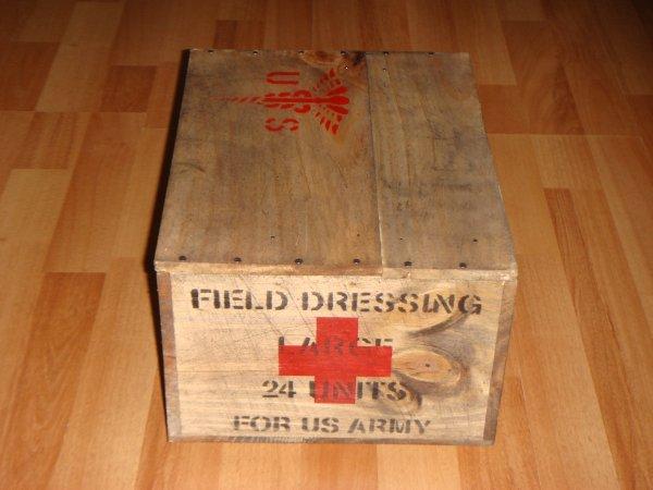 Caisse MEDIC ( type US WW2 ) ....