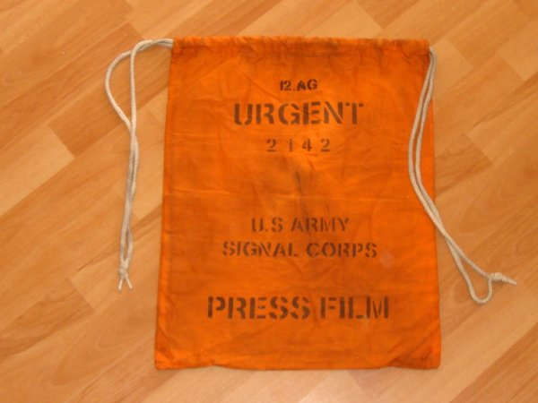 Sac - PRESS FILM - Signal corps ....