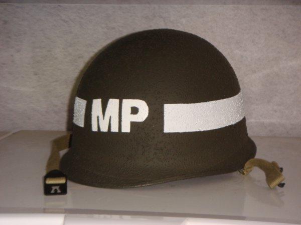 Casque MILITARY POLICE ( Pour Stéphane C du VMHV ) ...